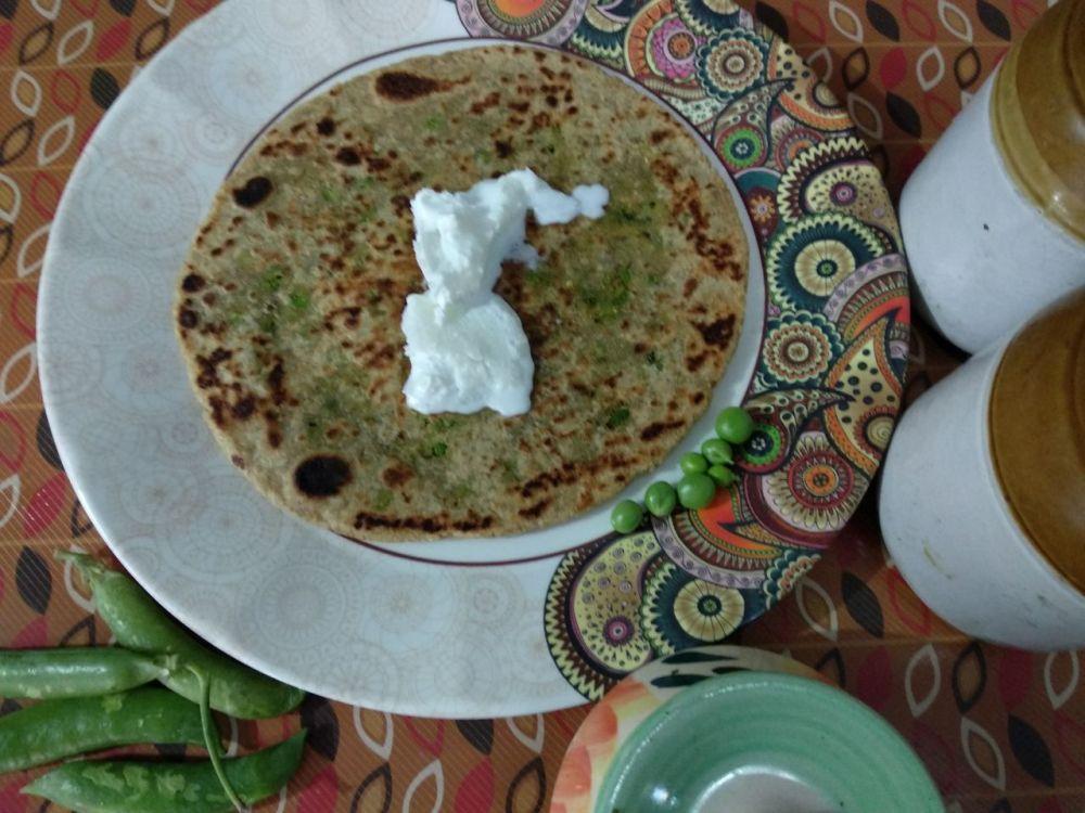 Stuffed_peas_paratha_flatbread