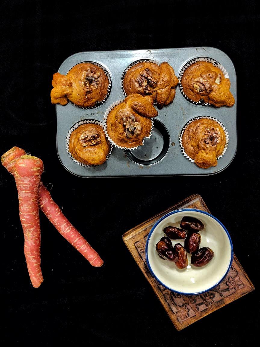 carrot-date muffins