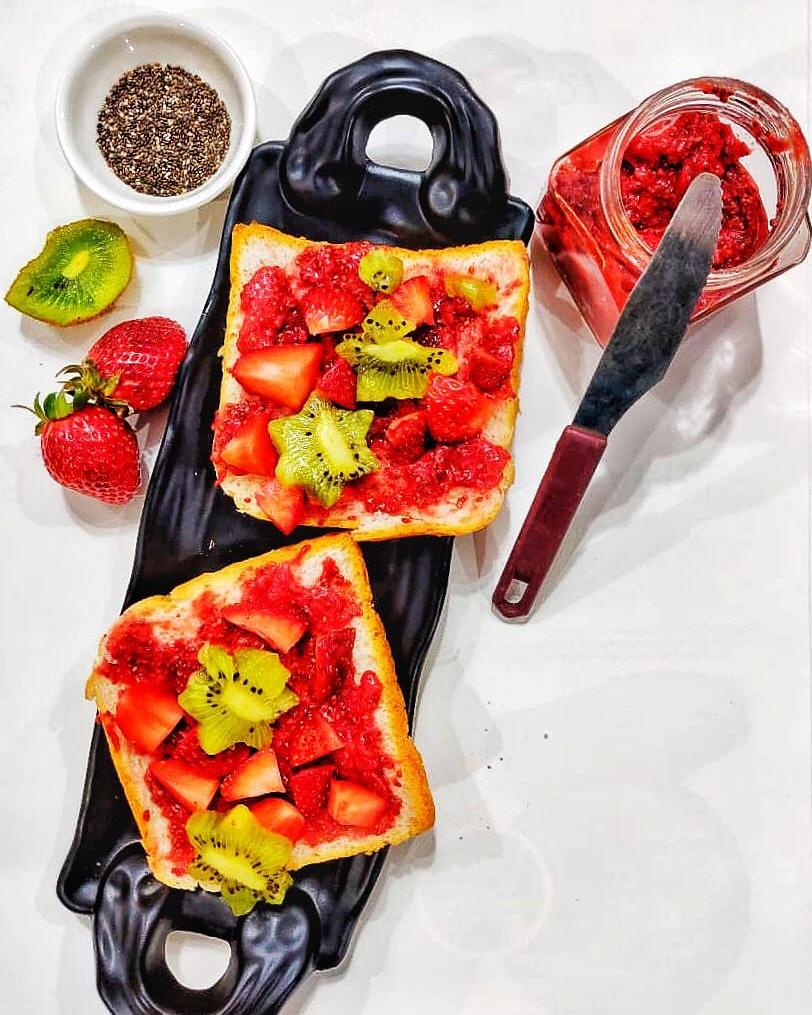 strawberry-chia jam